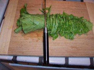 sauerkraut-chopping-chiffonade