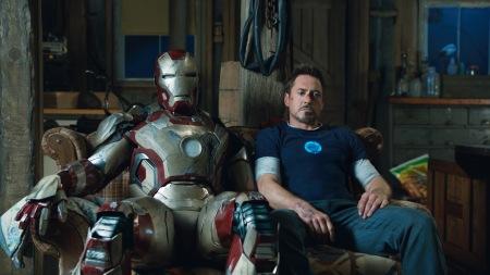 Iron-Man-3-Robert-Downey-Jr-Couch